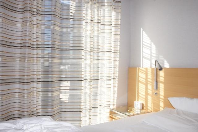 朝陽が差し込む部屋
