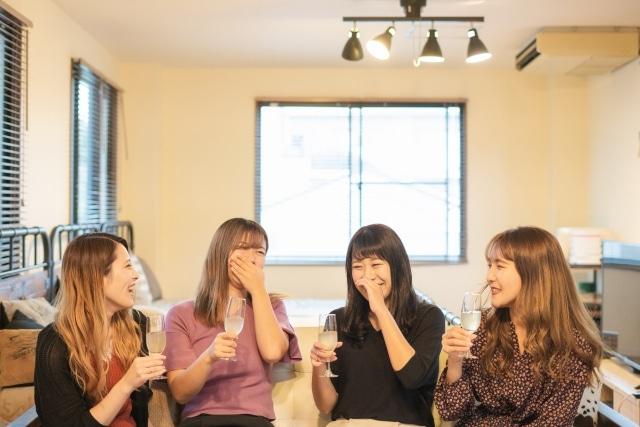 笑顔の女性たち