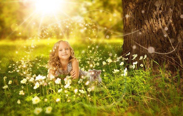 花畑にいる少女
